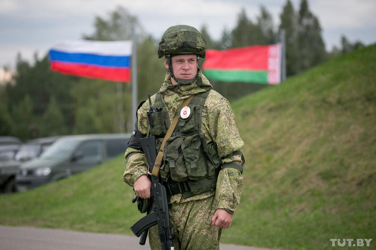 При угрозе Союзному государству Россия вооружит белорусских военных. Что это значит?