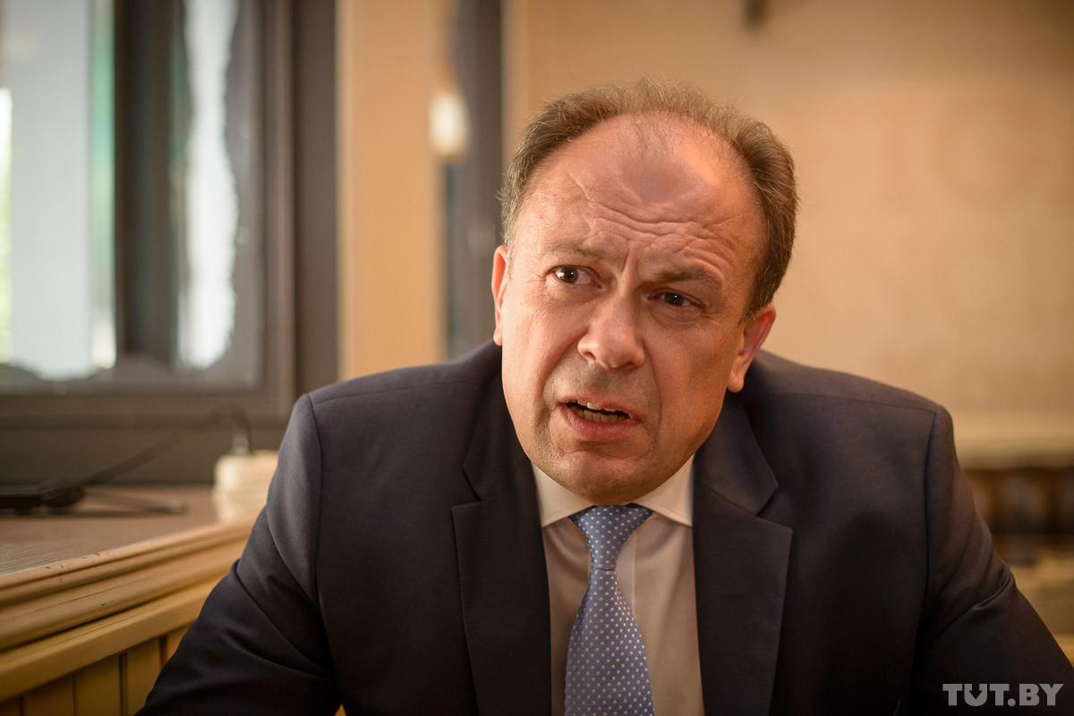 Депутаты предлагают ввести «пасведчанне суайчынніка» для выходцев из Беларуси