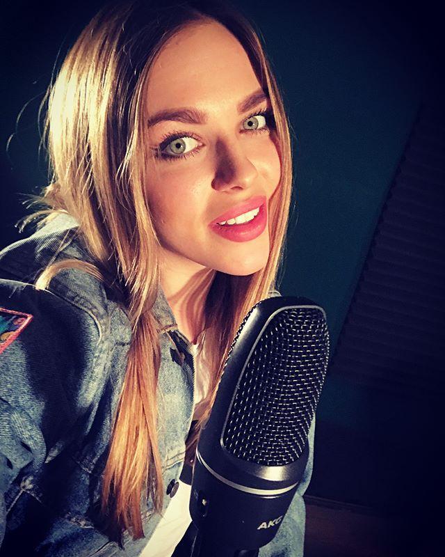 Бобруйчанка Мария Будницкая представила новую песню