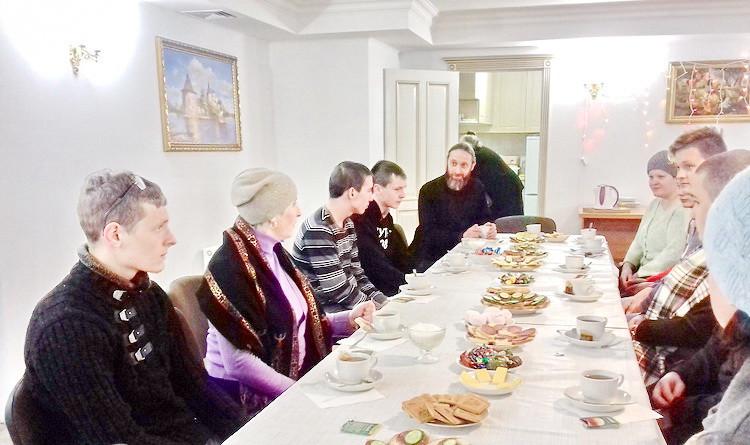 Священник встретился с группой учащихся Бобруйского электротехнического колледжа имени А.И. Черныша