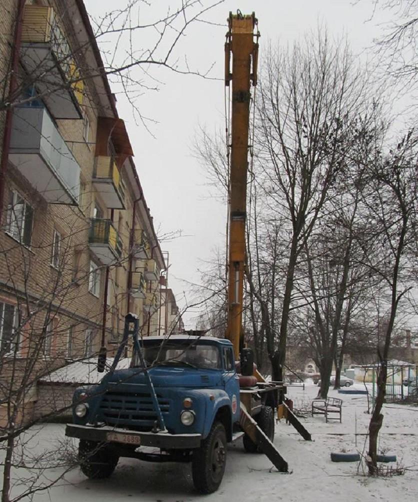 В Бобруйске рухнула автовышка с двумя рабочими. Возбуждено уголовное дело