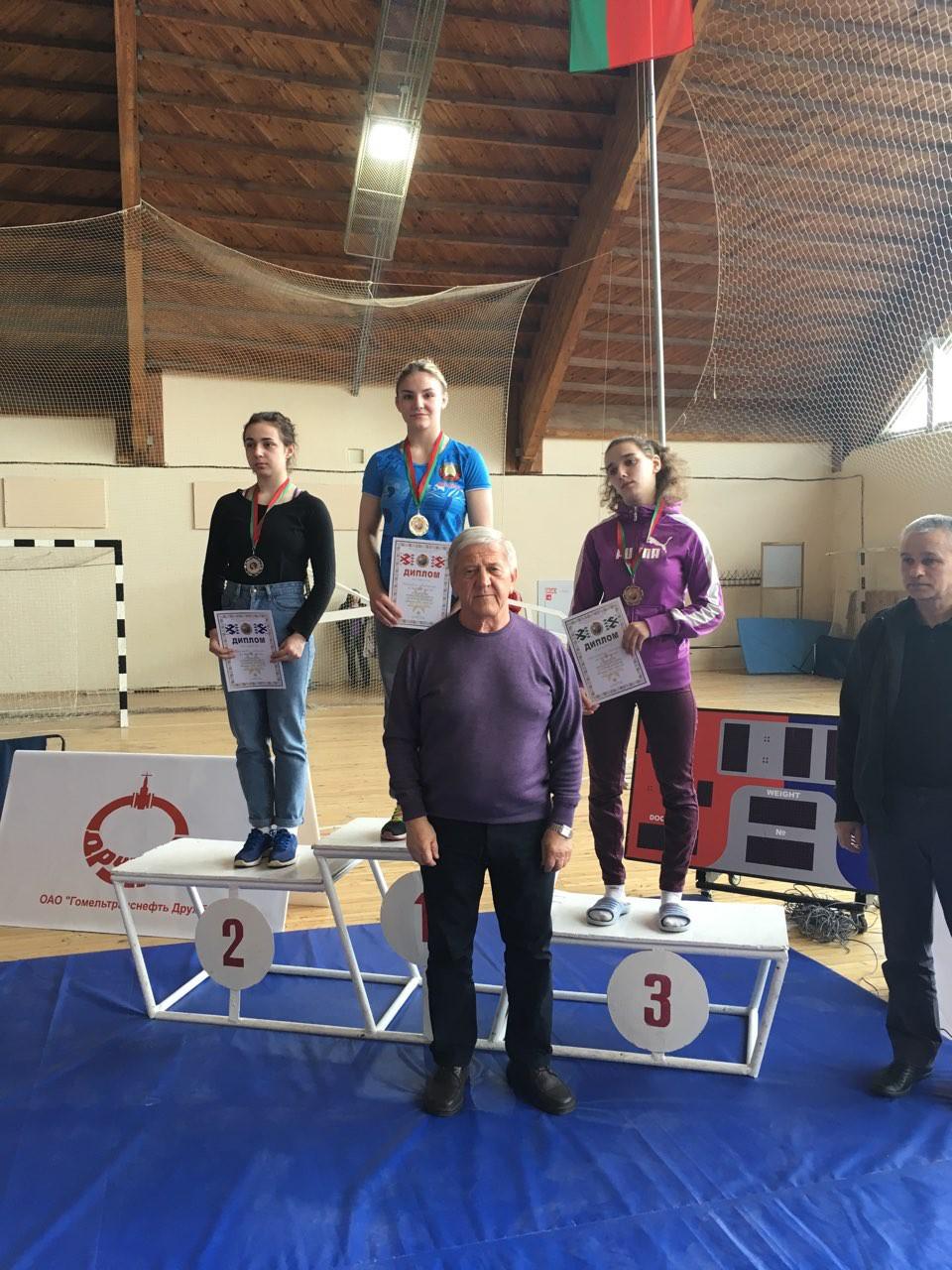 Три золотых медали завоевали «вольницы» спартаковской школы борьбы на первенстве Республик Беларусь