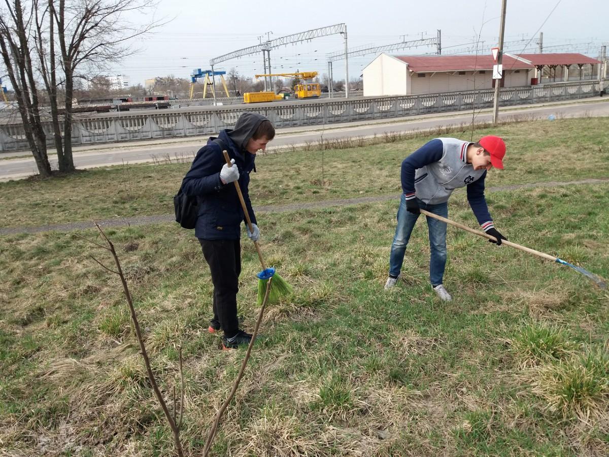 Волонтёры из автотранспортного и торгово-экономического колледжей Бобруйска провели акцию