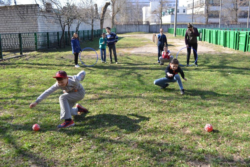 Акция «В Центре – мода на здоровье» продолжается: спортландия «Весенние старты» прошла в клубе «Юность»