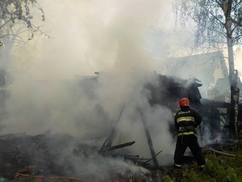 Днем 14 мая в центр оперативного управления Бобруйского ГРОЧС поступило сообщение о загорании дома в поселке Заря в Бобруйске.