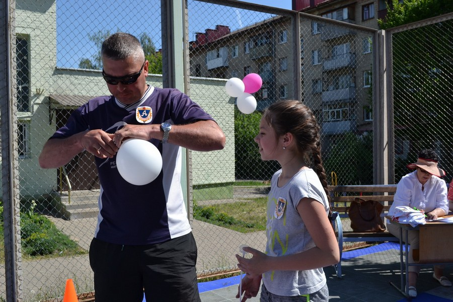 Спортивный праздник в Ленинском районе г. Бобруйска прошел с огоньком