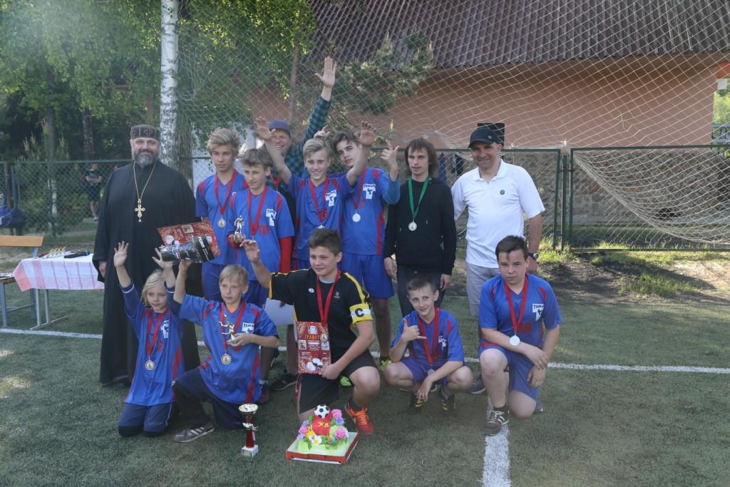 В Могилеве прошел пасхальный футбольный турнир