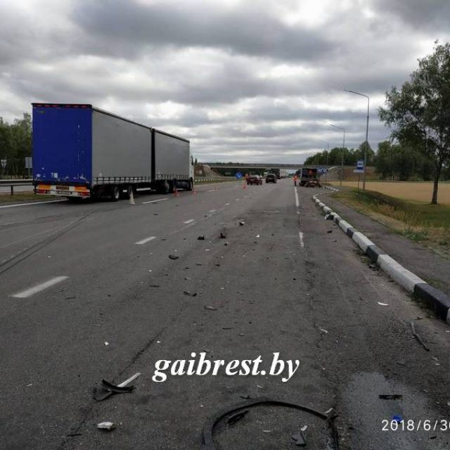 В ДТП под Кобрином погиб 8-месячный пассажир, которого везли из Германии