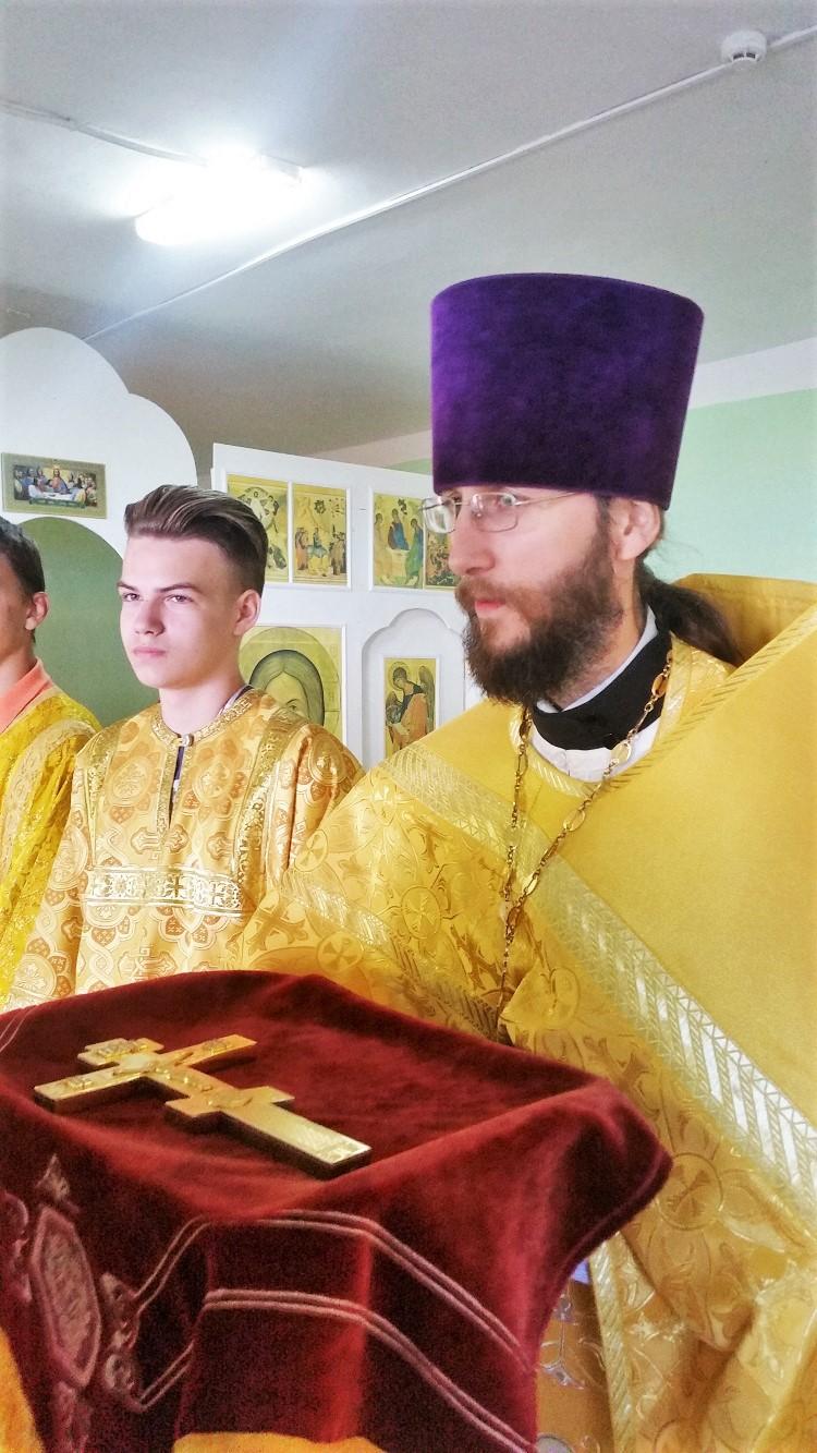 В День семьи, любви и верности епископ Серафим совершил Божественную литургию в летней православной школе «Дружба»