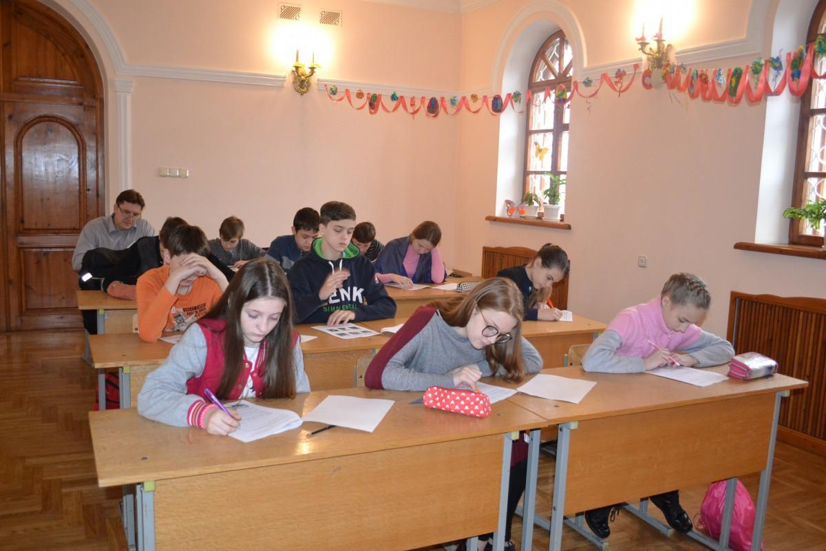 Воскресная школа Свято-Георгиевского храма объявляет о наборе учеников!