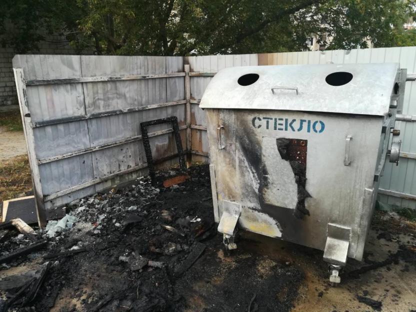 Площадка для сбора бытового мусора горела в Бобруйске