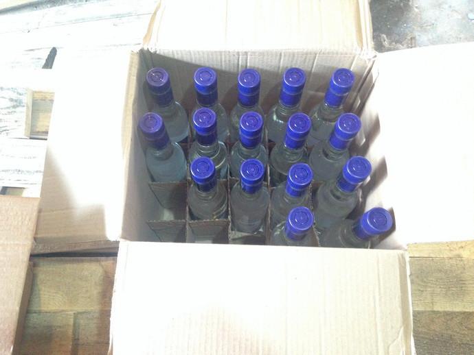 В гараже у бобруйчанки обнаружено и изъято 390 литров спирта и 60 бутылок водки