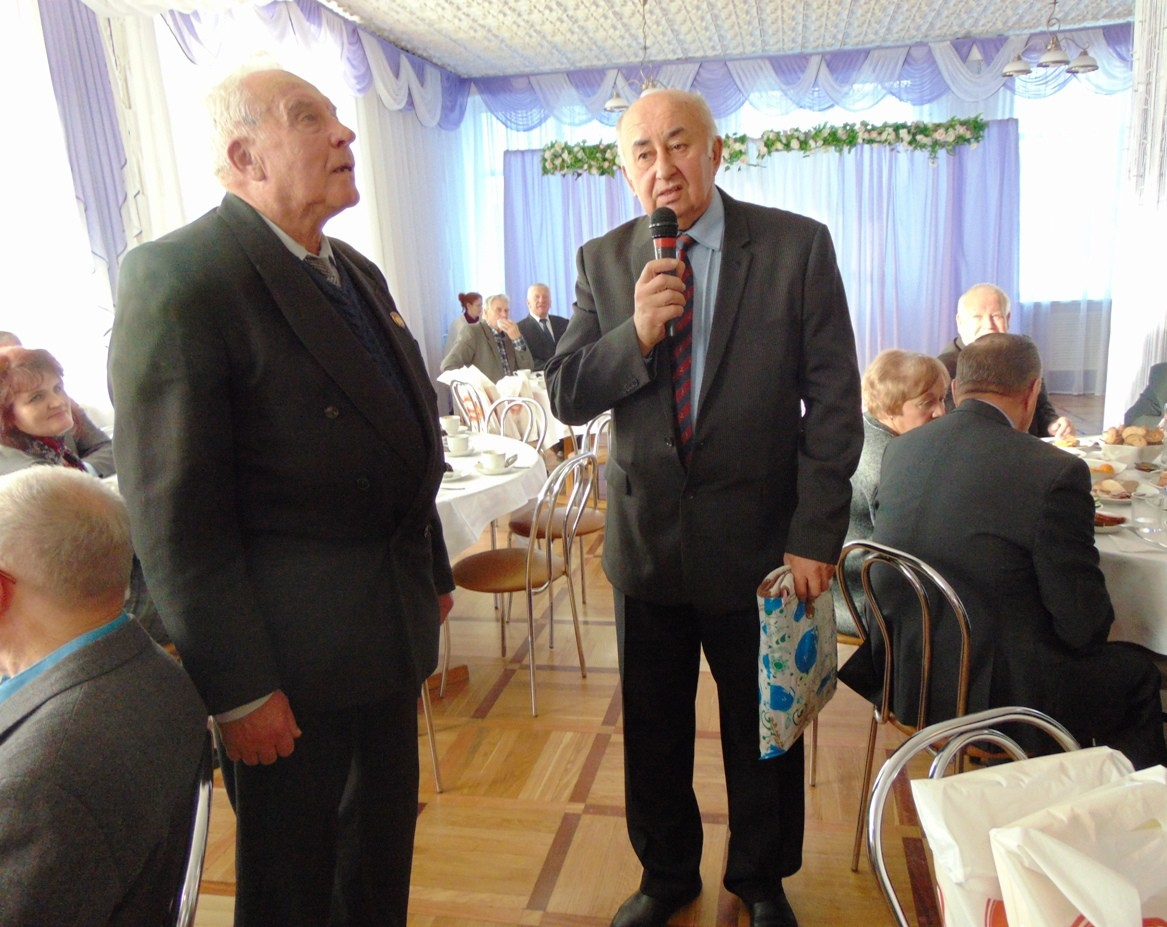 21 ноября в Гостиничном комплексе ОАО «ФанДОК» состоялся юбилейный вечер «Нас выбрало время», посвящённый 10-летию клуба «Кіраўнік».