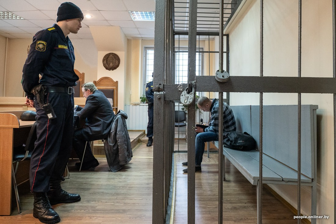 «Мне показалось, что было семь ударов, потом в деле почитал, что 77». В Бобруйске начался суд по делу об убийстве двух девушек