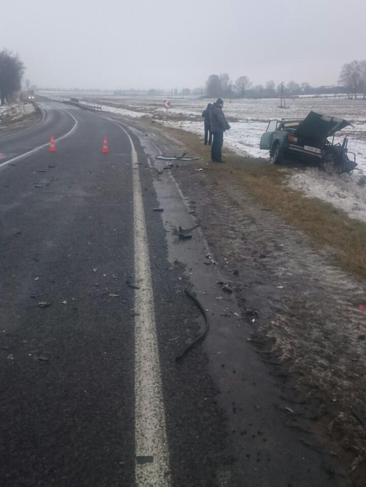 В Бобруйском районе в результате лобового столкновения погиб водитель одной из автомашин