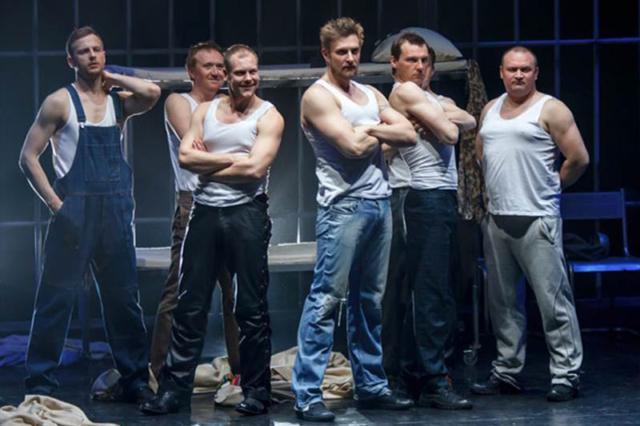 Комедийный спектакль для взрослых «Ночь для женщин-2» пройдет в Бобруйске 14 февраля