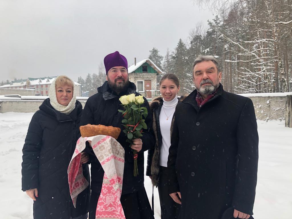Епископ Серафим посетил предприятие Барро и совершил молебен на начало Нового года