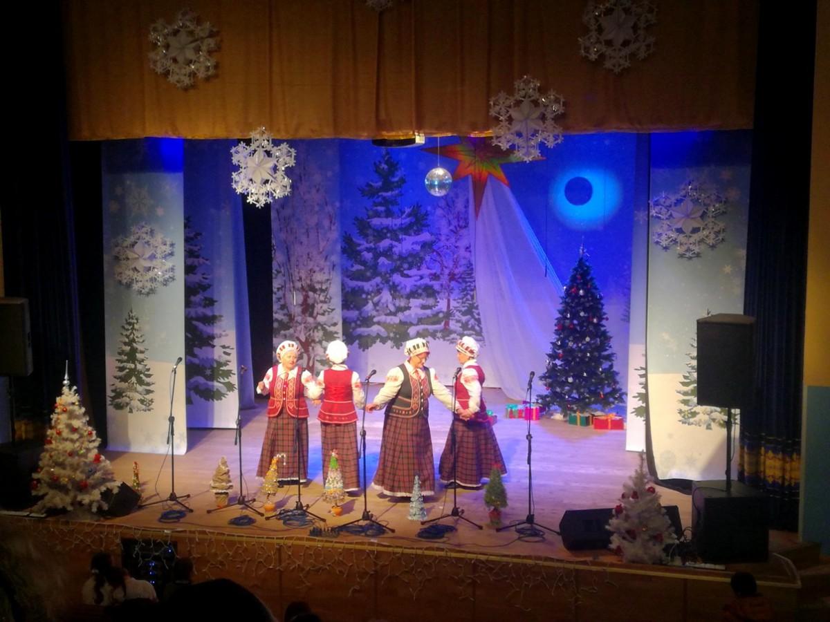«Вольница» и «Любава» представили Бобруйск на концерте православных песнопений в Любани