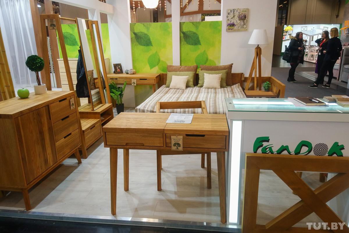 В Германии проходит крупнейшая мебельная выставка. Смотрите, какую мебель туда привезли белорусы