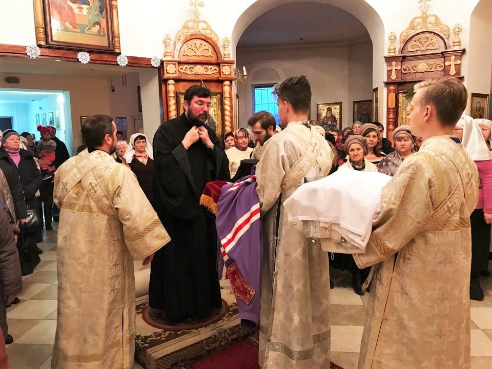 В Неделю 34-ю по Пятидесятнице епископ Серафим совершил Божественную литургию в Сретенском храме Бобруйска