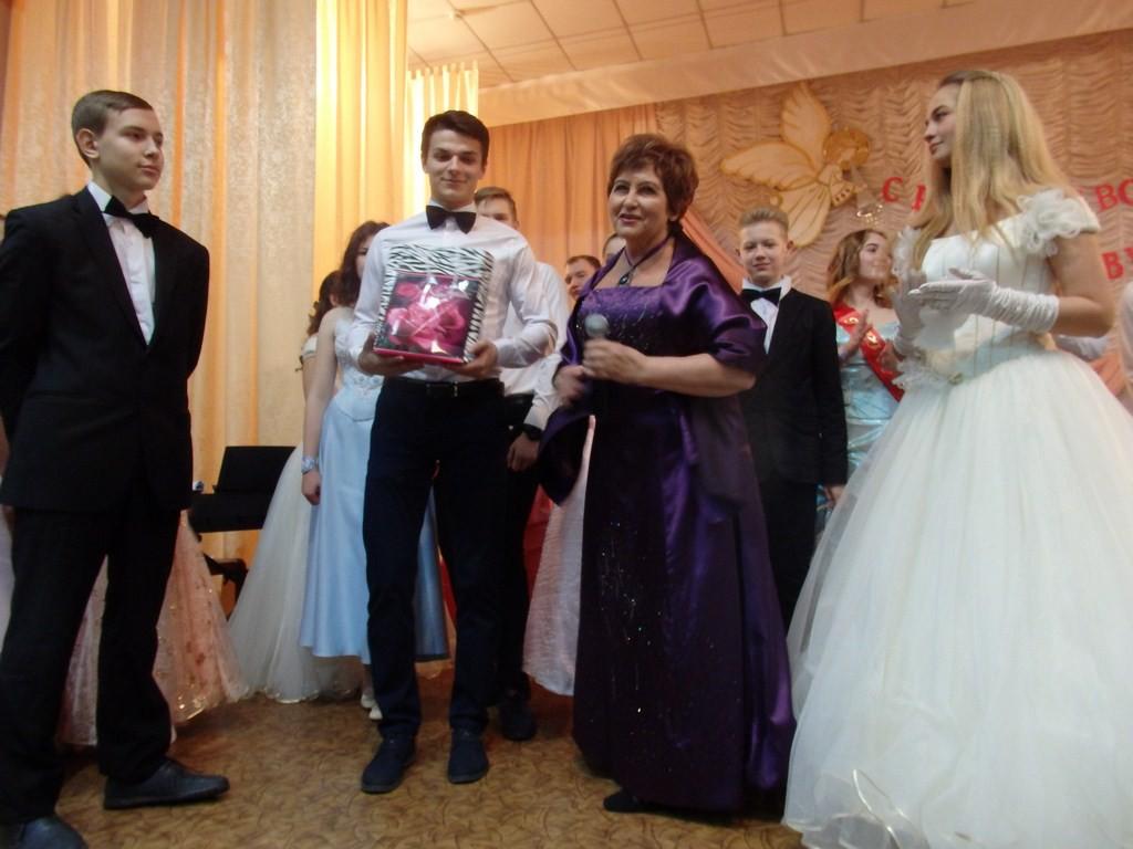 Красивая традиция есть в Бобруйске - рождественские балы
