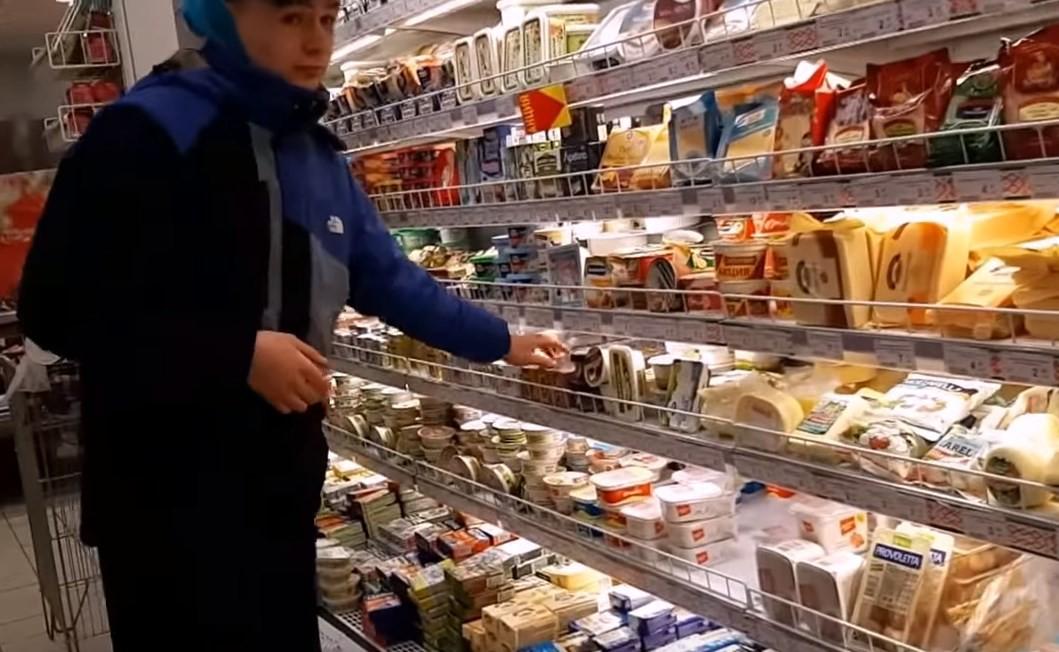 Видеоблогер из Полоцка проверял, как работает охрана в магазинах. Доснимался до ИВС и суда