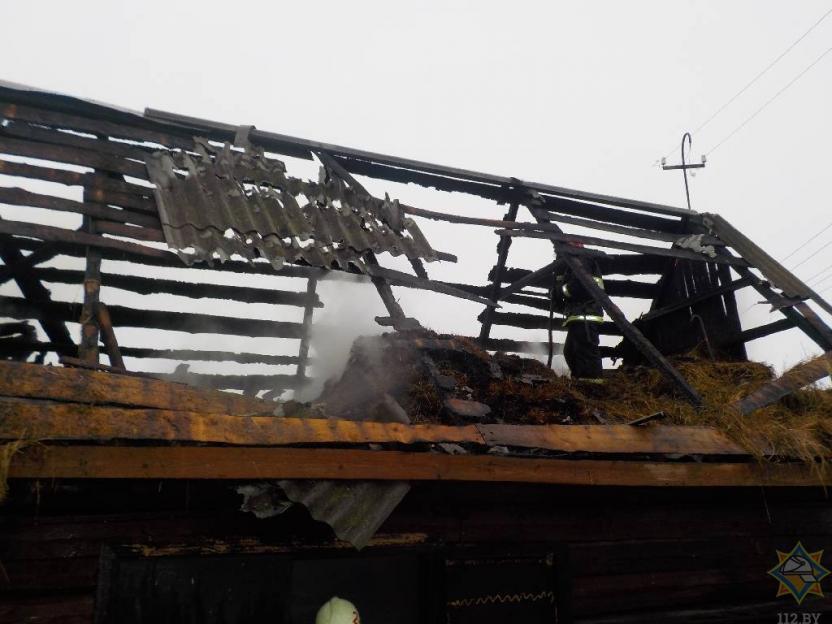 Две тонны сена повредил огонь в Бобруйском районе