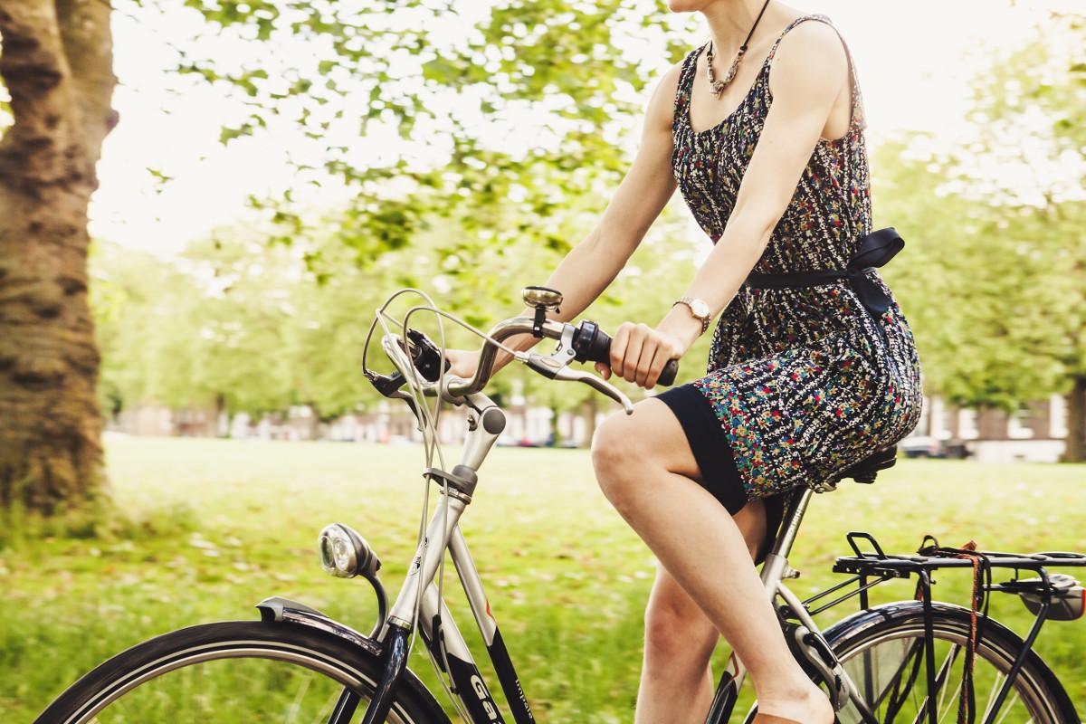 Можно ли беременным ездить на велосипеде? Объяснили гинекологи