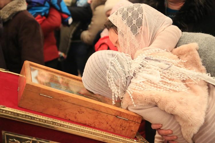 Епископ Серафим совершил Божественную литургию в Никольском кафедральном соборе