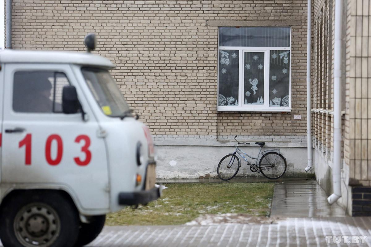 «Мальчик очень спокойный, для многих это шок». Подробности ЧП в Столбцах, где десятиклассник напал на учителя и школьников