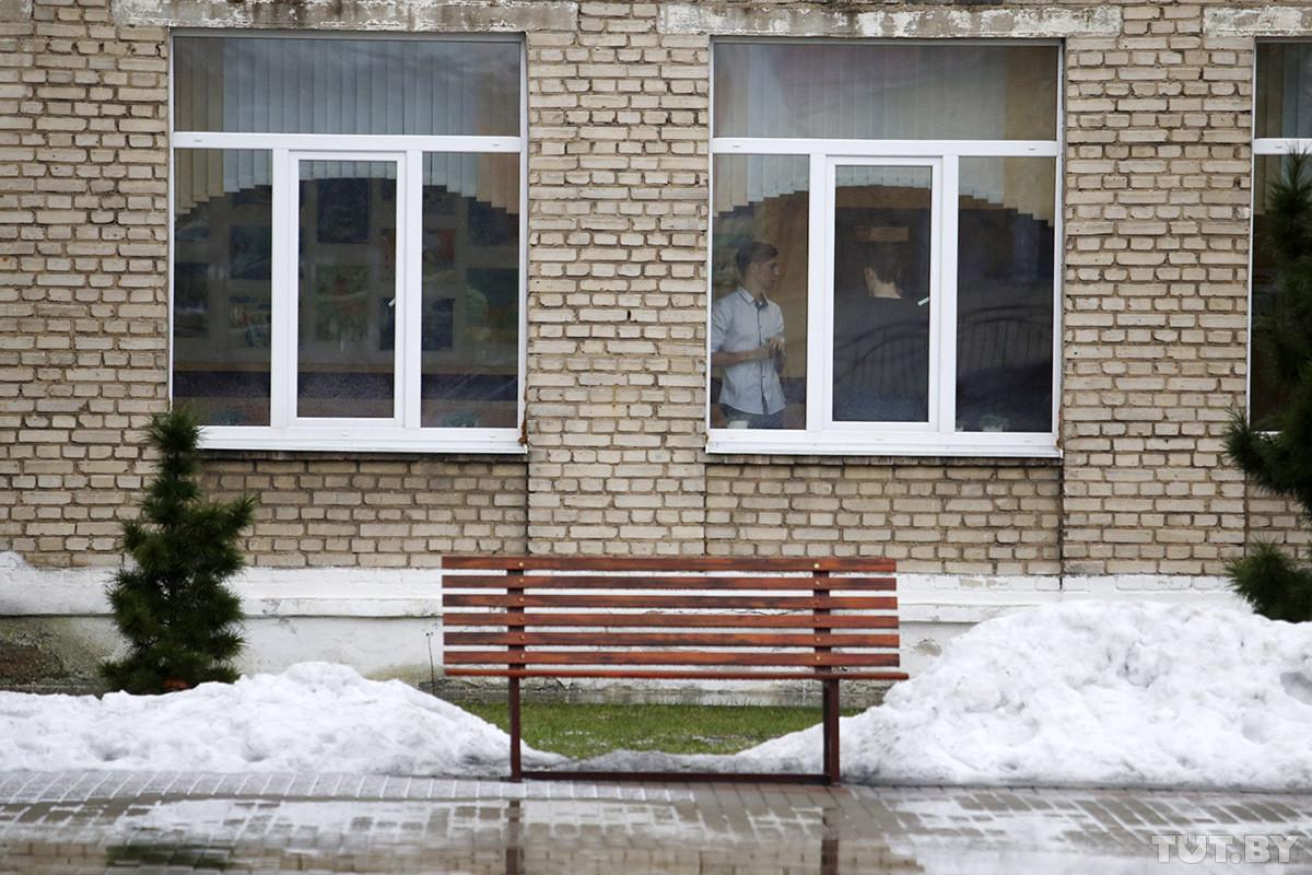 «Вообще не умел злиться». Что известно о нападавшем в школе в Столбцах и его задержании