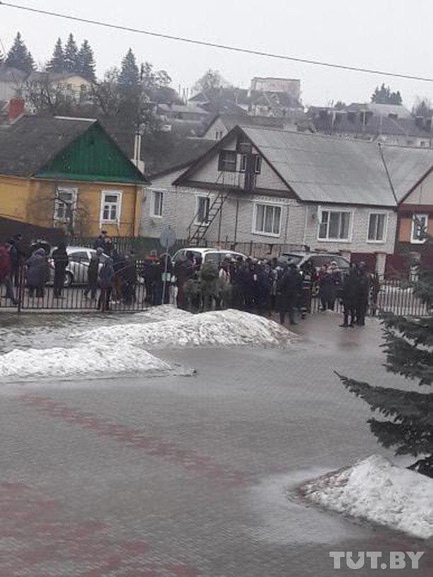 ЧП в Столбцах: в результате нападения ученика в школе погибли учительница и школьник