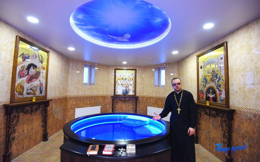 В церкви в Барановичах установили уникальную крестильную купель с подогревом воды