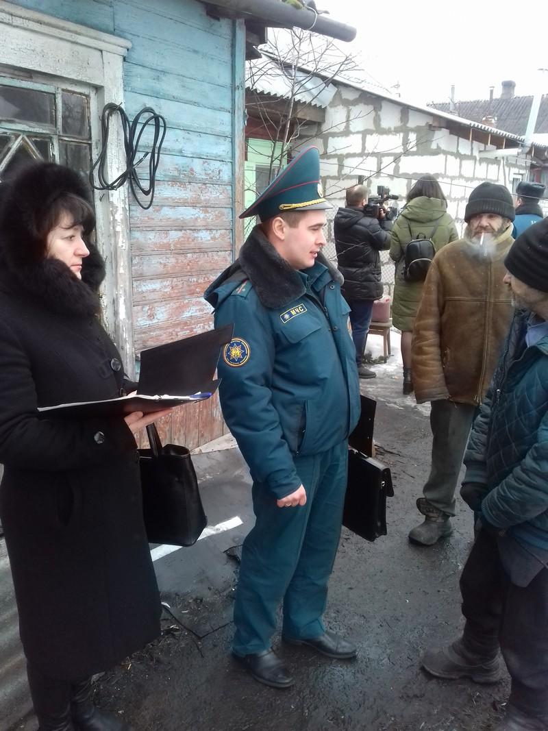 В Бобруйске состоялся совместный рейд по частному сектору работников МЧС, сотрудников учреждения «ТЦСОН Ленинского района г.Бобруйска» и представителей СМИ.