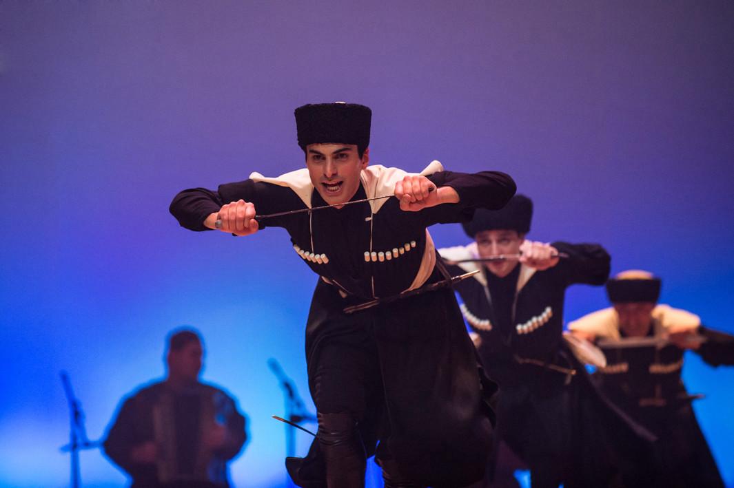 Национальный балет Грузии «Сухишвили» представит в Бобруйске новое огненное шоу. Дополнено