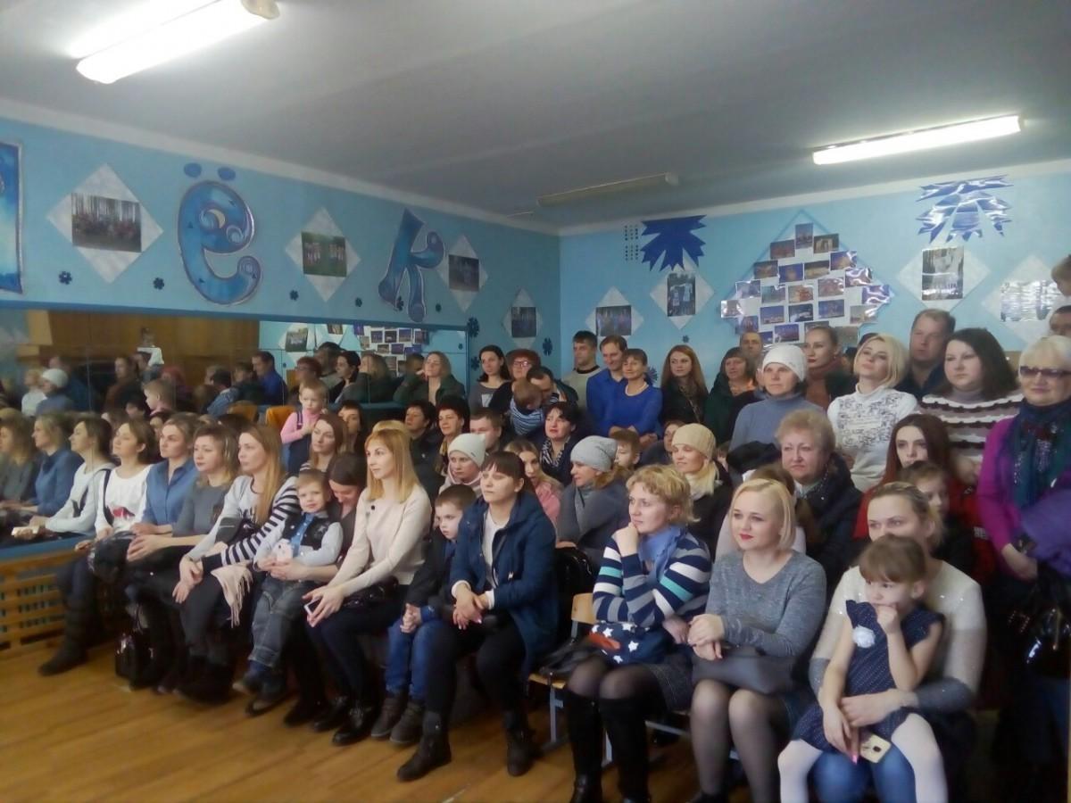 В Бобруйске прошел праздничный концерт «8 марта – мамин день»