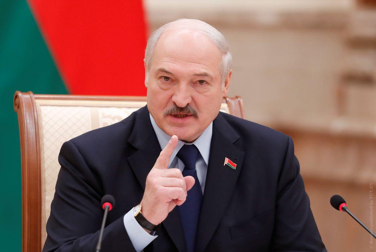 Лукашенко: Весь мир смотрит на Беларусь - от Норвегии до стран Африки