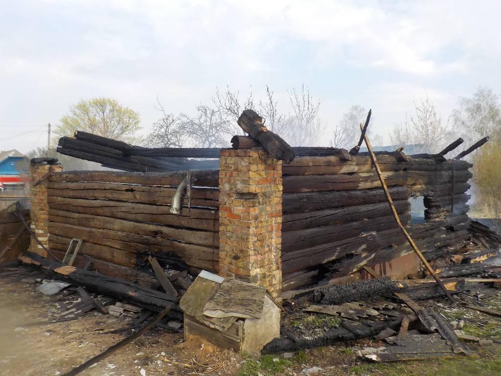 Сарай сгорел, а дом спасли