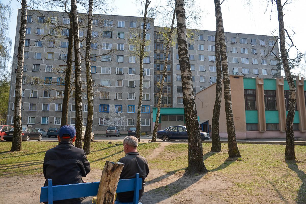 В Бобруйске из окна выпала 32-летняя женщина