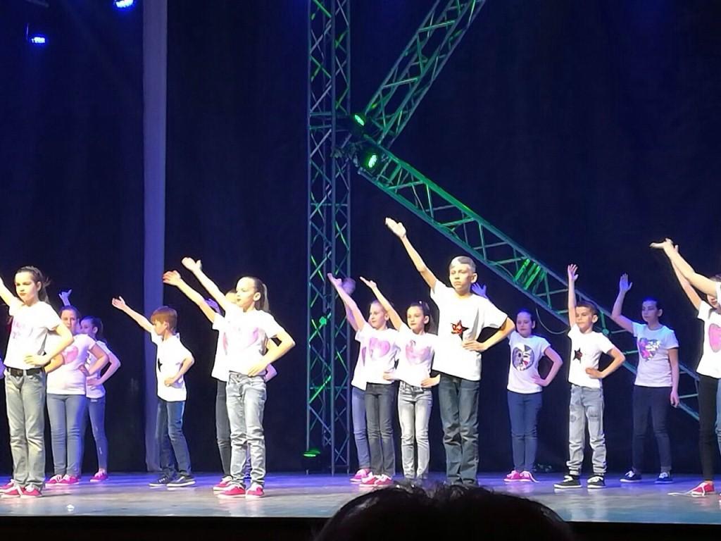 Образцовый  хореографический коллектив «Крынічка» выразил эмоции и чувства в отчетном концерте