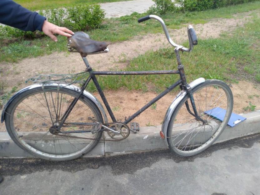 Бобруйчанин на велосипеде пересекал проезжую часть – его сбила машина