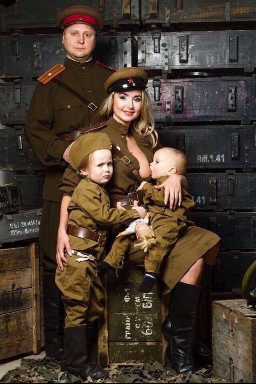 «Омерзительно вывалила». Почему белорусы клеймят женщин, которые кормят детей грудью на людях