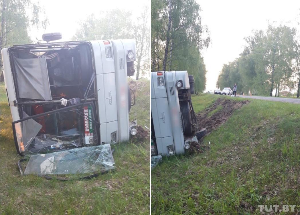 Опрокинулся рейсовый автобус в Кировском районе. Водитель говорит, что виновата косуля
