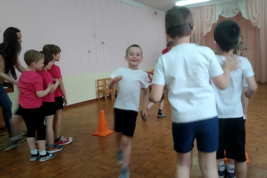 15 мая в ГУО «Детский сад №53 г. Бобруйска» прошло театрализованное представление по мотивам сказки «Колобок».