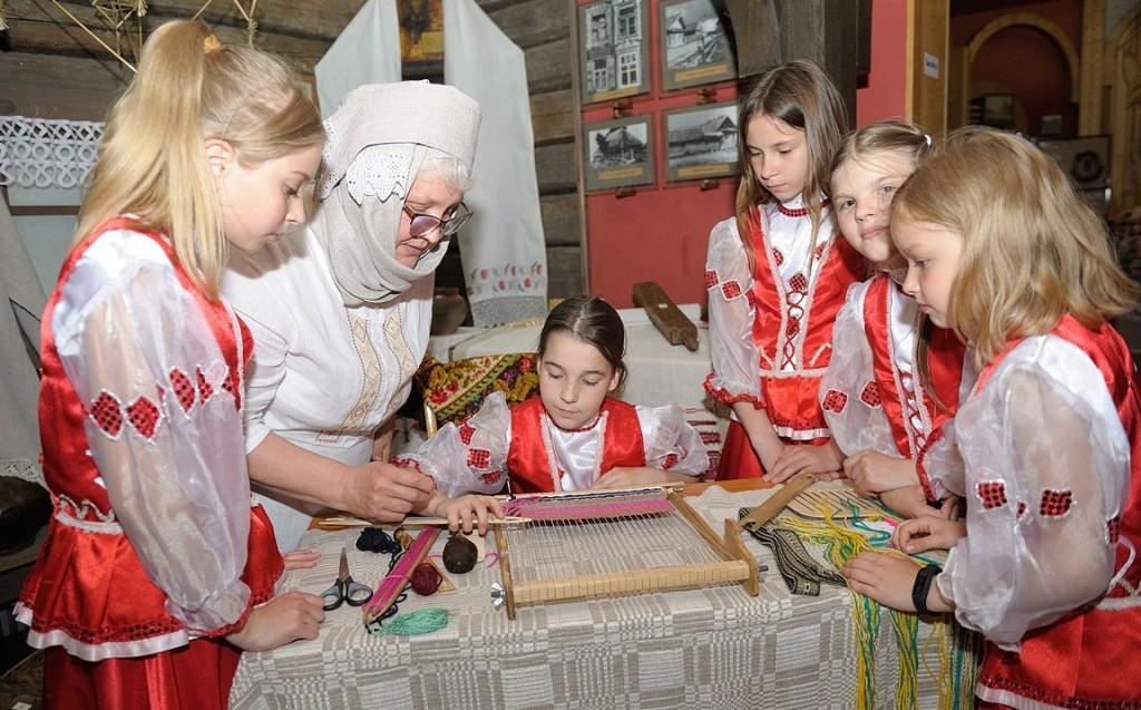 Мастер-класс по ткачеству прошел в рамках Международной акции «Ночь музеев».