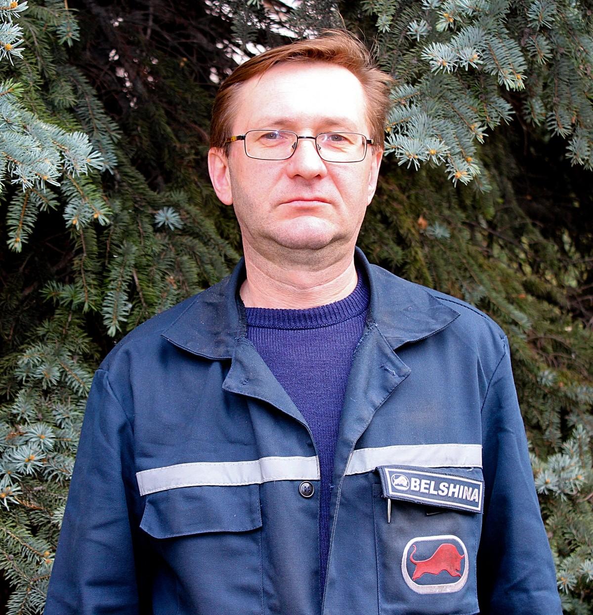 Александр Владимирович Мельников пришел работать на предприятие ОАО «Белшина» в 2009 году старшим мастером энергослужбы механического завода. А уже через полгода он стал главным энергетиком мехзавода.