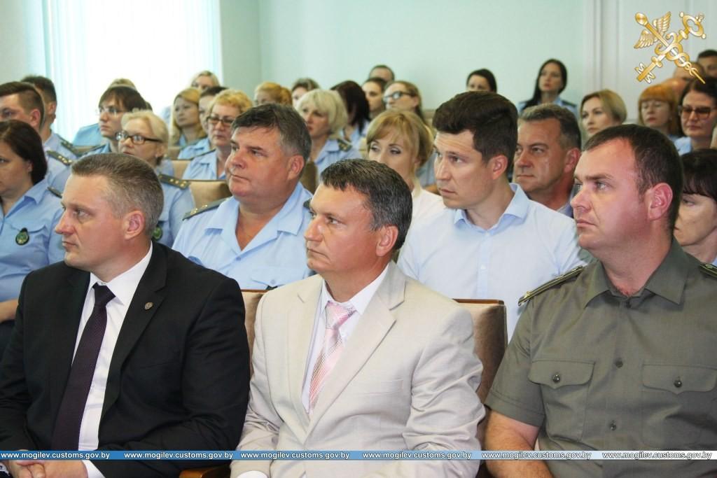 Председатель Государственного таможенного комитета определил перспективные задачи для Могилевской таможни и представил коллективу таможни начальника.