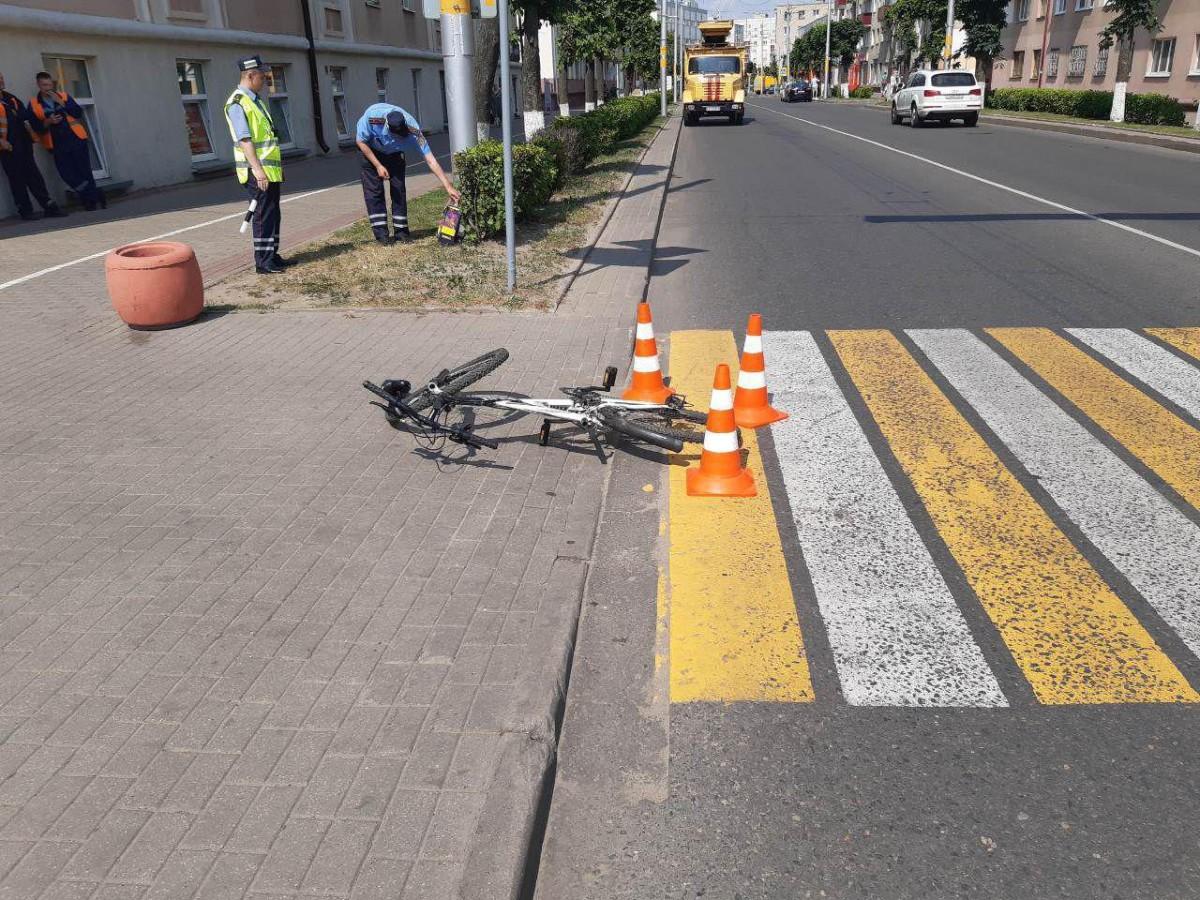 10 июня в Бобруйске в 14-23 57-летний местный житель, управляя рейсовым автобусом «Маз» возле дома 107 по ул. Советской совершил наезд на 10-летнего велосипедиста.