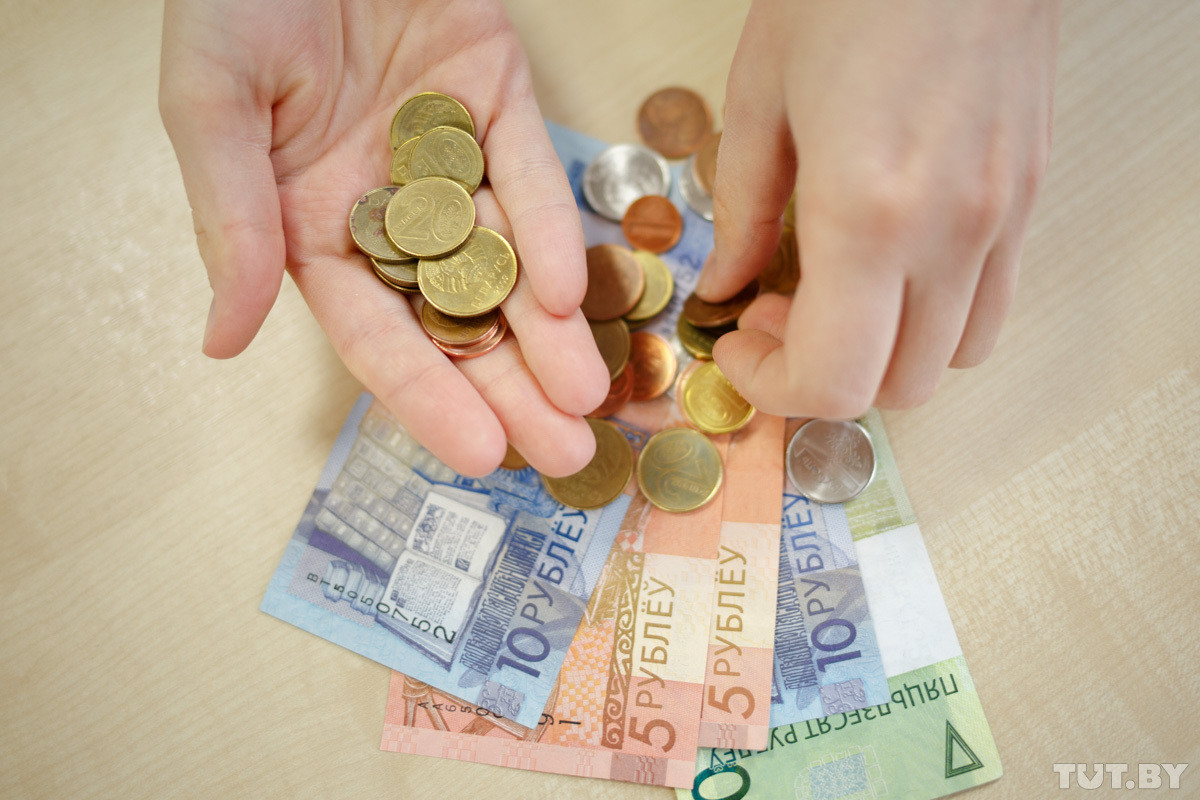 Зарплата женщин в Беларуси на четверть меньше, чем мужчин. А как в других странах?