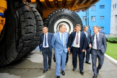 Руководство ОАО «Белшина» с рабочим визитом посетило ОАО «БЕЛАЗ»